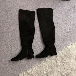 Knee high black forever 21 boots